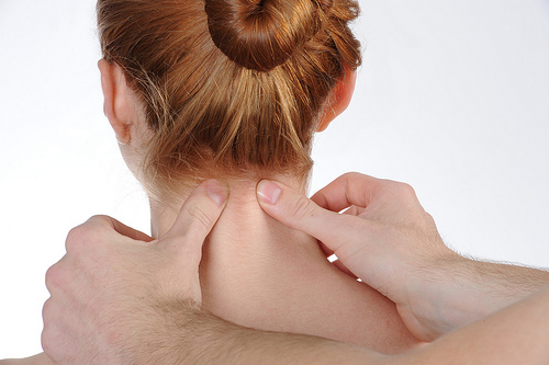 Neck Massage, symptoms of cervical spondylosis