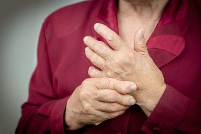 swelling in hand, symptoms of osteoarthritis